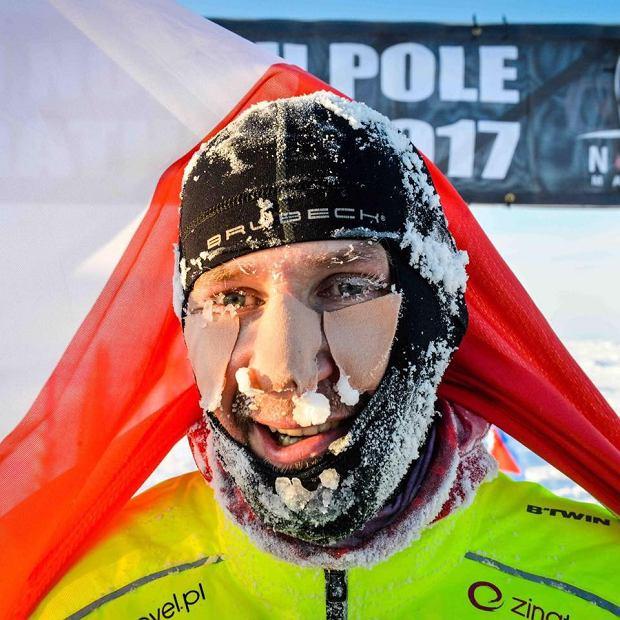 Zdjęcie numer 2 w galerii - Polak wygrał ekstremalny maraton na Antarktydzie.