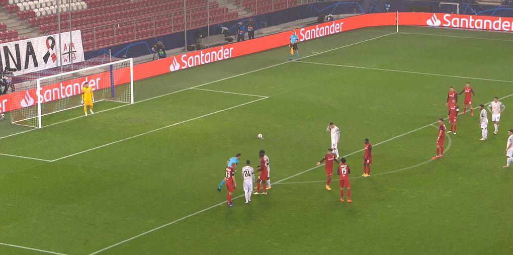 Robert Lewandowski w meczu z Salzburgiem