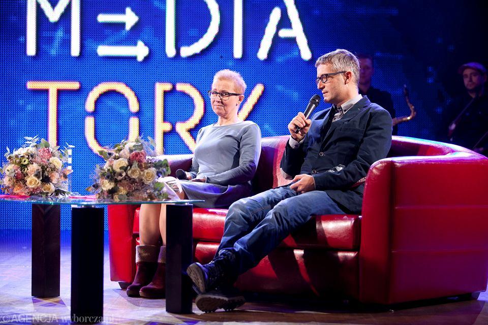 Bożena Aksamit i Piotr Głuchowski podczas gali wręczenia nagród dziennikarskich MEDIATORY 2016, 3 grudnia 2016 r.