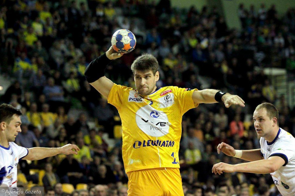 Julen Aginagalde podczas meczu Vive Tauron Kielce - Stal Mielec
