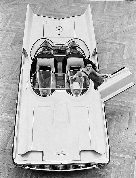 Podwozie pochodziło z Lincolna Mark II