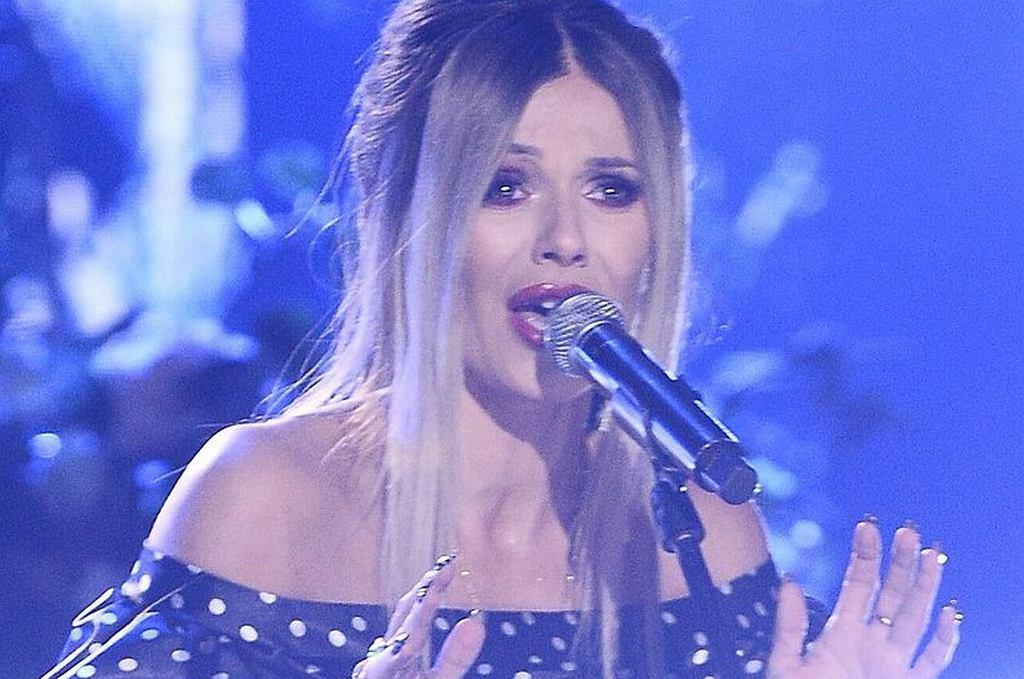 Doda w utworze 'Niech żyje bal' w Opolu