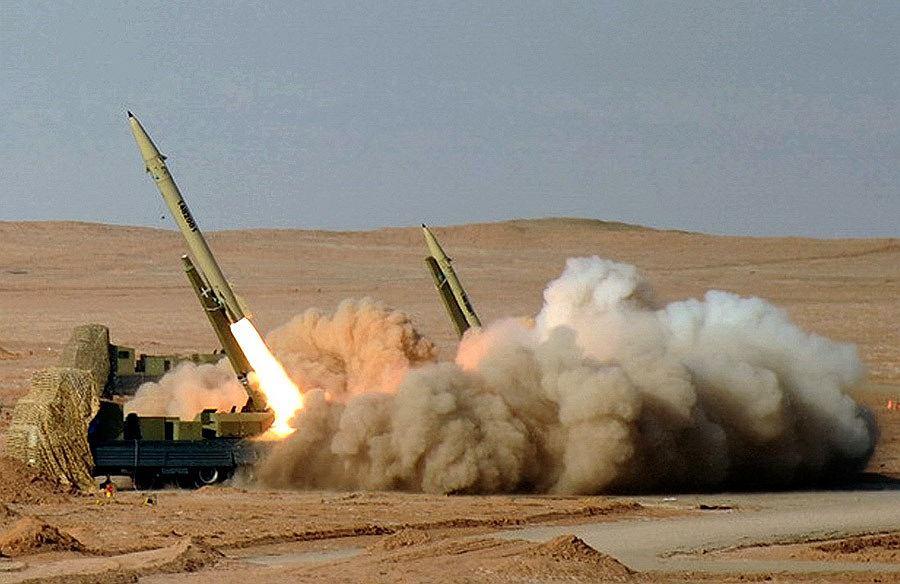 Odpalenie rakiet krótkiego zasięgu Fateh-110