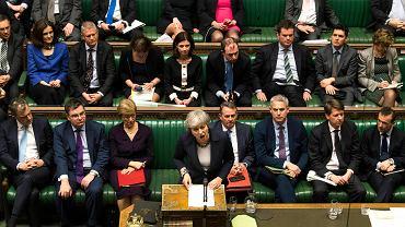 Premier Wielkiej Brytanii podczas głosowania w Izbie Gmin. Parlamentarzyści zagłosowali przeciw twardemu brexitowi (wyjściu Wielkiej Brytanii z UE bez umowy). Londyn, 13 marca 2019