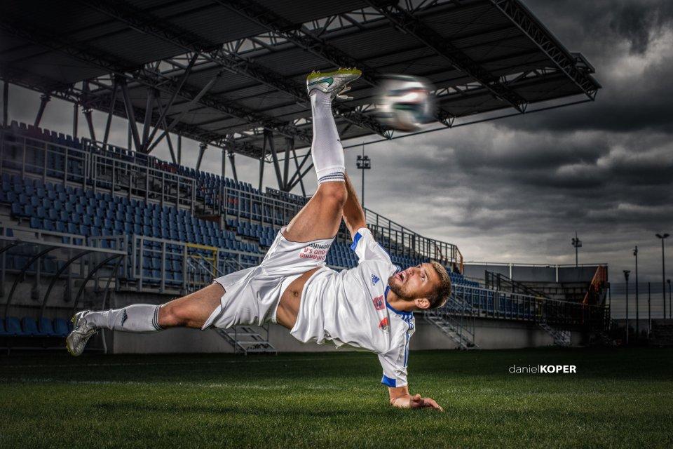 Zdjęcie numer 0 w galerii - Pogoń Siedlce ma widowiskowy kalendarz z piłkarzami. Jak Messi albo Ronaldo [ZDJĘCIA]