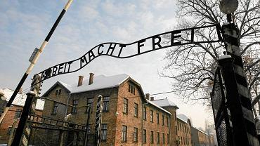 Główna brama obozu w Auschwitz.