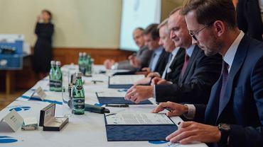 Podpisanie umowy pomiędzy Varroc Lighting Systems a Akademią Górniczo-Hutniczą i Politechniką Krakowską