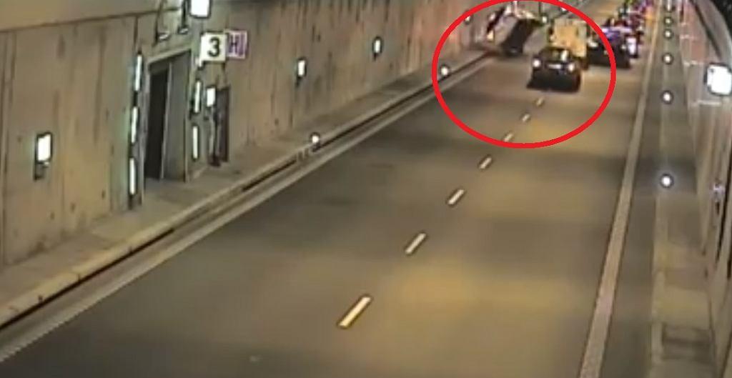 Gdańsk wypadek samochodowy w tunelu