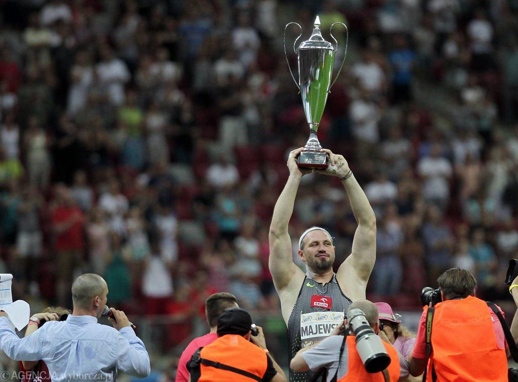To był ostatni w Polsce konkurs dwukrotnego mistrza olimpijskiego w pchnięciu kulą Tomasza Majewskiego. Z kibicami pożegnał się świetnym wynikiem 21,08, który dał mu drugie miejsce w Memoriale Kamili Skolimowskiej na PGE Narodowym w Warszawie.