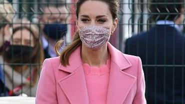 """Księżna Kate jest w czwartej ciąży? Tabloid pokazał dowody. To jej zdjęcia z """"z zaokrąglonym brzuchem"""""""