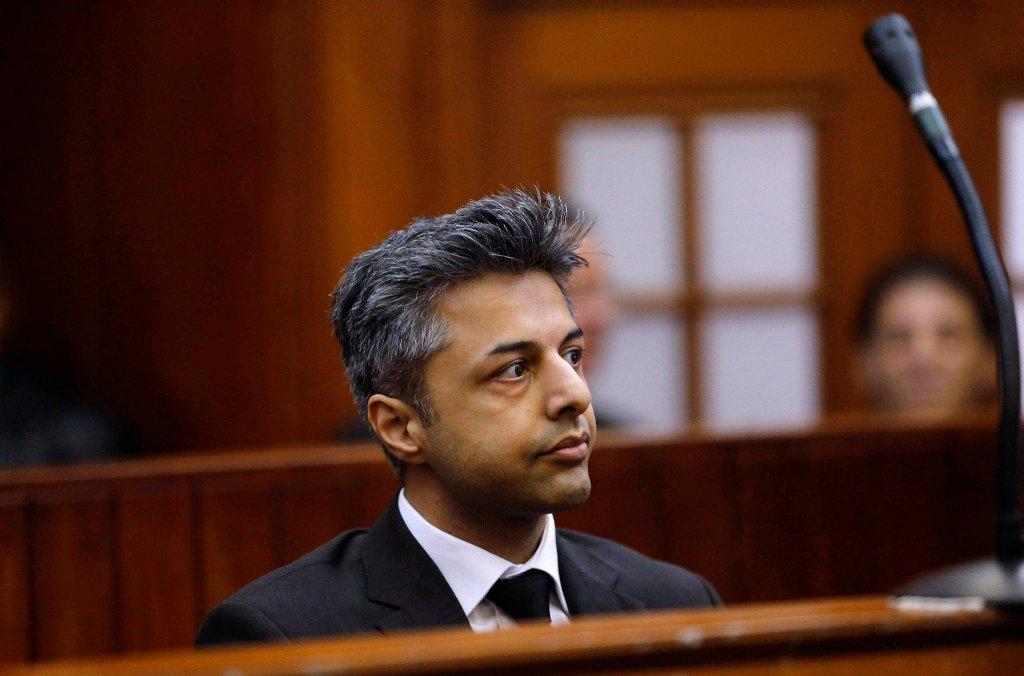 Przed sądem w Cape Town (RPA) stanął Shrien Dewani. 34-letni Brytyjczyk jest oskarżony o udział w zabójstwie swojej żony. Kobieta została zamordowana podczas miesiąca miodowego w 2010 roku.