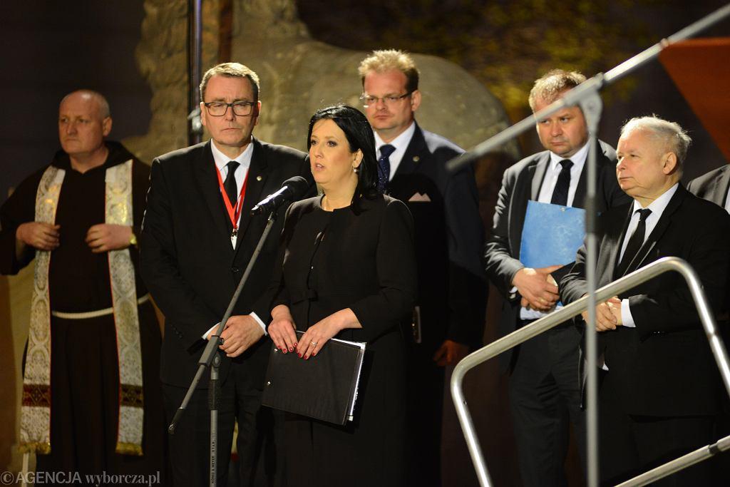 Anita Czerwińska i Jarosław Kaczyński podczas rocznicy katastrofy smoleńskiej
