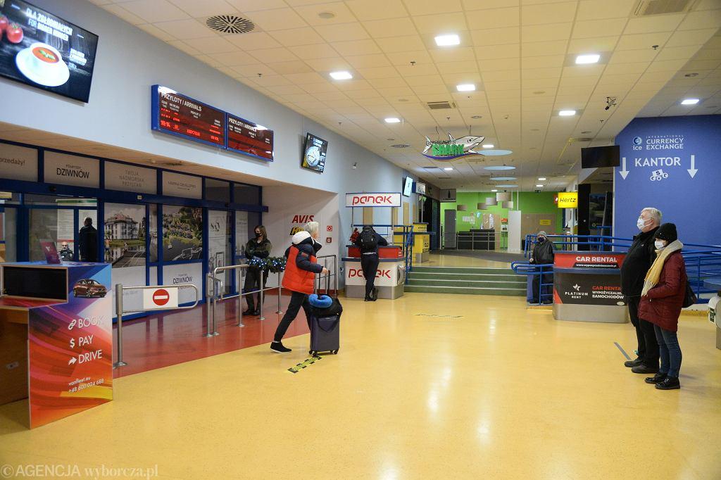 Lotnisko w czasie pandemii (zdjęcie ilustracyjne)