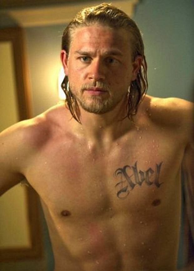 SONS OF ANARCHY: 201: Charlie Hunnam on the episode