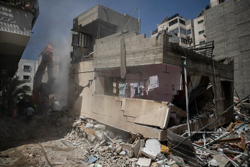 16.05.2021 Strefa Gazy. Zniszczenia spowodowane bombardowaniem przez lotnictwo Izraela
