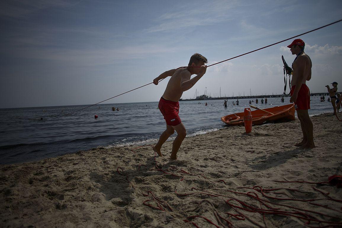 R06.08.2013 Sopot . Pokazy ratownictwa WOPR .fot. Lukasz Glowala / Agencja Gazeta