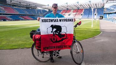 Robert Ćwikliński znany jest ze swej działalności charytatywnej którą realizuje podczas jazdy na rowerze