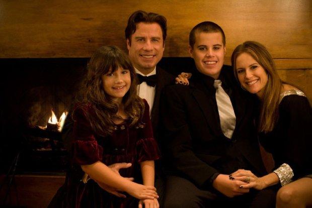 John Travolta z żoną i dziećmi. 8-letnią Ellą i 16-letnim Jettem. Zdjęcie z 2008