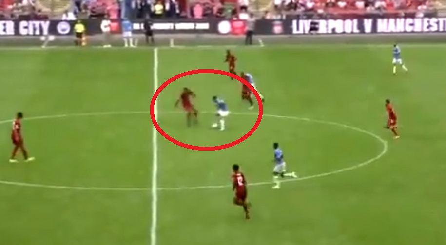 Virgil van Dijk został przedryblowany w meczu z Manchesterem City