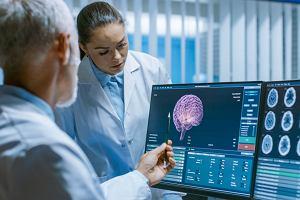 Naukowcy mogą sterować obwodami w mózgu za pomocą smartfonów. Leczenie będzie łatwiejsze?