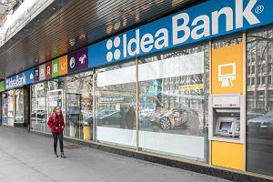 Przymusowa restrukturyzacja Idea Banku - przejmuje go Pekao SA. Co to oznacza dla klientów