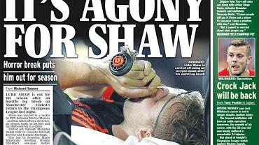 """Za nami pierwszy dzień nowego sezonu Ligi Mistrzów. Dzień znakomity dla hiszpańskich drużyn, bo swoje mecze wygrały i Real i Atletico i Sevilla i tragiczny dla angielskich zespołów, bo Manchester City przegrał z Juventusem, a Manchester United z PSV. Dodatkowo United do końca sezonu stracili Luke'a Shaw'a. Hector Moreno ostrym wślizgiem złamał mu w dwóch miejscach nogę. """"The Sun"""" pisze o horrorze, """"Daily Express"""" o męczarniach Shawa. A co piszą inne gazety?"""