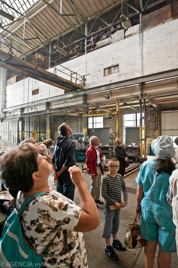 Zdjęcie numer 11 w galerii - Zwiedzali 150-letnią fabrykę obrabiarek na Wilczaku [ZDJĘCIA]