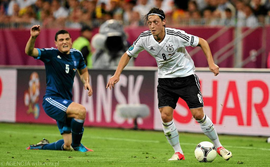 Mesut Ozil (P)