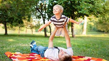 Szczęśliwe wspomnienia z dzieciństwa ułatwiają walkę ze stresem w dorosłym życiu