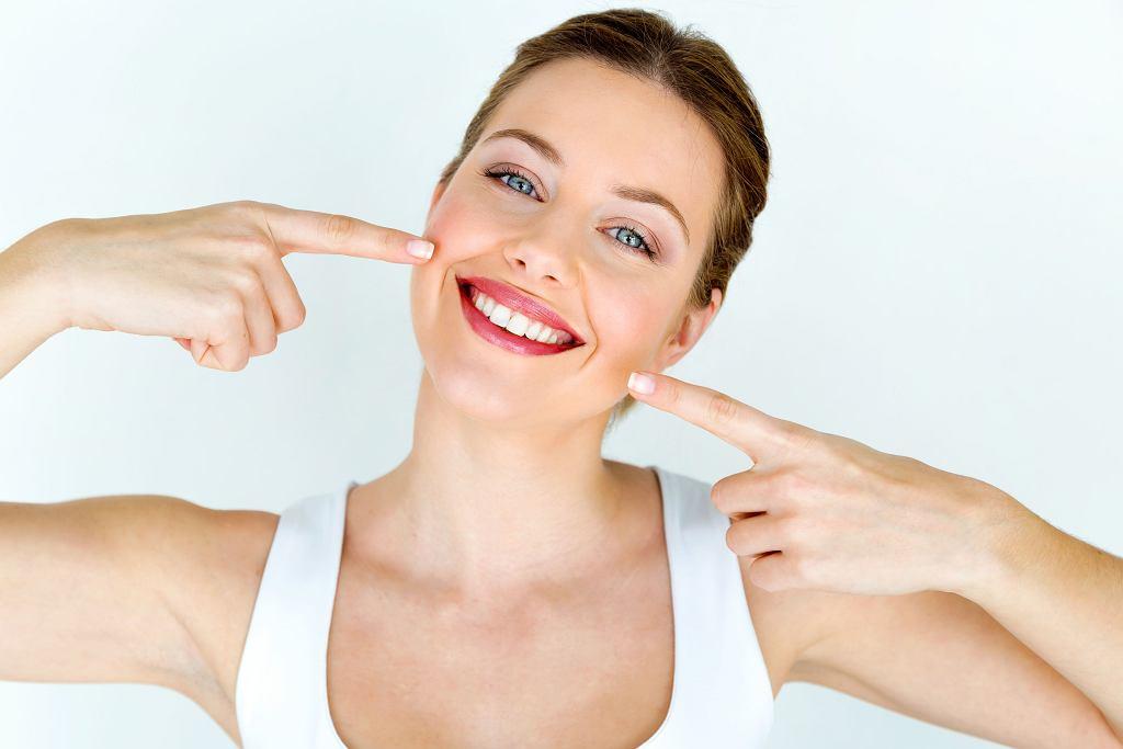 Idealny uśmiech, zdrowe zęby i dziąsła? Zacznij od szczoteczki.