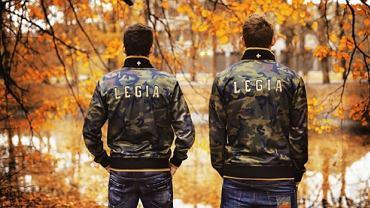 """Zdjęcie promujące kolekcję odzieży Legia """"DNA"""""""