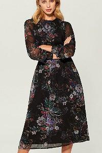 Sukienka z długim rękawem w kwiaty