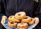 Pieczone dyniowe donuty z cukrem cynamonowym