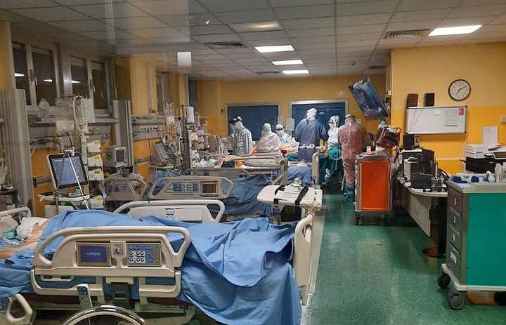 Włochy. Lekarz zaprosił koronasceptyków do wizyty na swoim oddziale