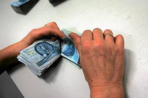 Długi Polaków idą w dziesiątki miliardów złotych. Opóźnienia w płatnościach jeszcze większe