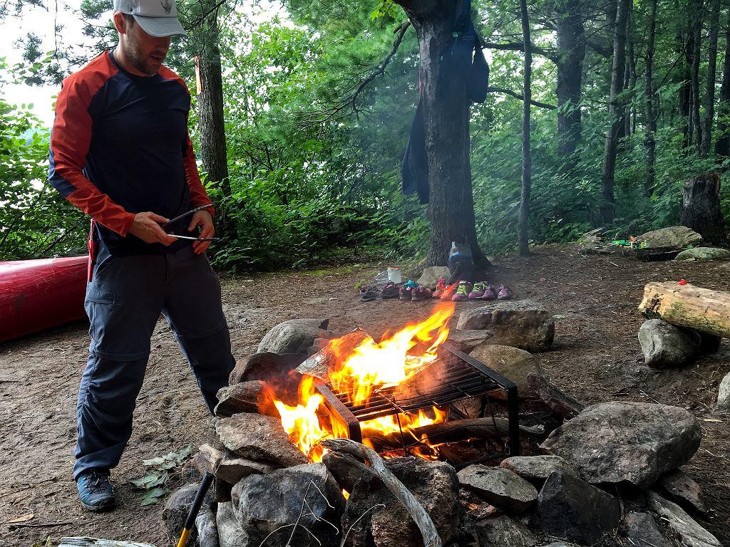 Ognisko w lesie można palić tylko w przeznaczonych do tego miejscach