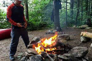 Pożar wywołany przez Polaka w Czarnogórze mógł skończyć się tragicznie. Jak należy rozpalać ogień?