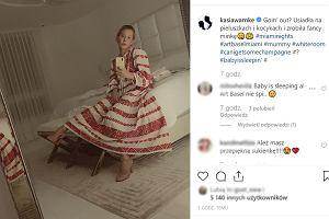"""Katarzyna Warnke zmęczona macierzyństwem. """"Usiadła na pieluszkach i kocykach i zrobiła fancy minkę"""""""