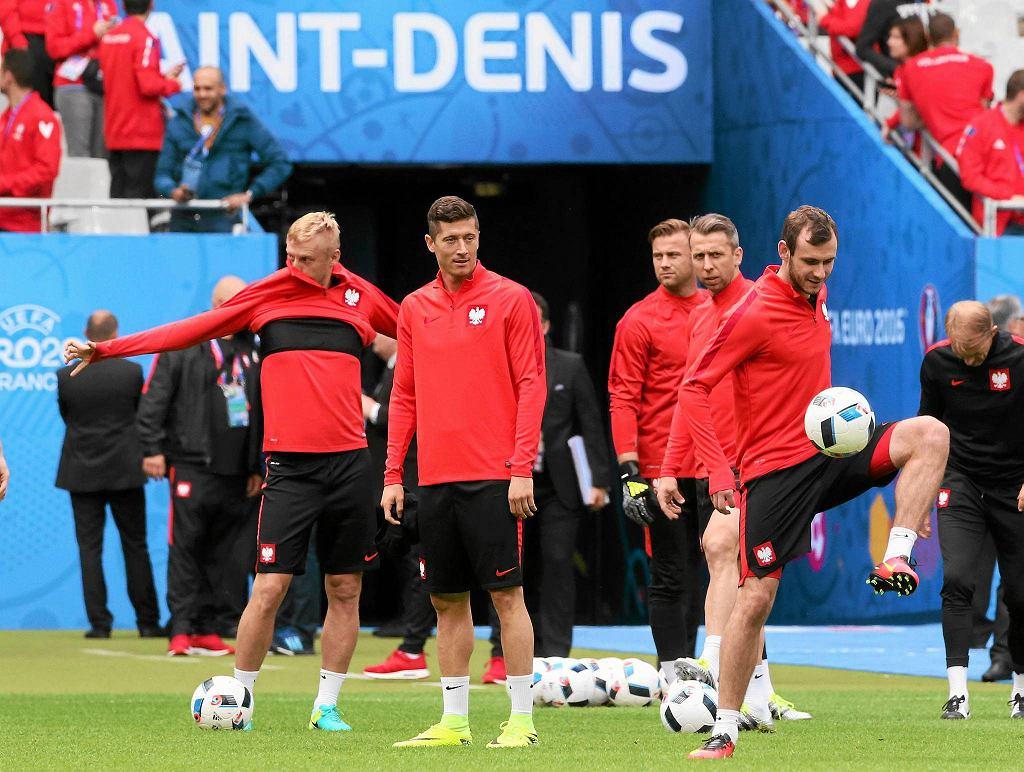 Filip Starzyński (z prawej) przed meczem Polska - Niemcy na Euro 2016