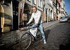 """Uciekł z korporacji rowerem. Dlaczego powiedział """"Dość"""""""