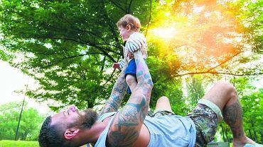 Myślę, że kampania 'Ratujmy tatusiów' nie znalazłaby szerokiego odzewu wśród mężczyzn, bo prawdziwi ojcowie i prawdziwi mężczyźni - w dobrym tego słowa znaczeniu - czują, że ojcostwo to coś niewypowiedzianego