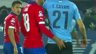 Gonzalo Jara atakuje Cavaniego