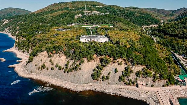 Pałac Putina nad brzegiem Morza Czarnego