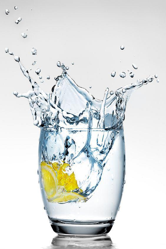 Woda zmniejsza apetyt i wpływa na procesy metaboliczne
