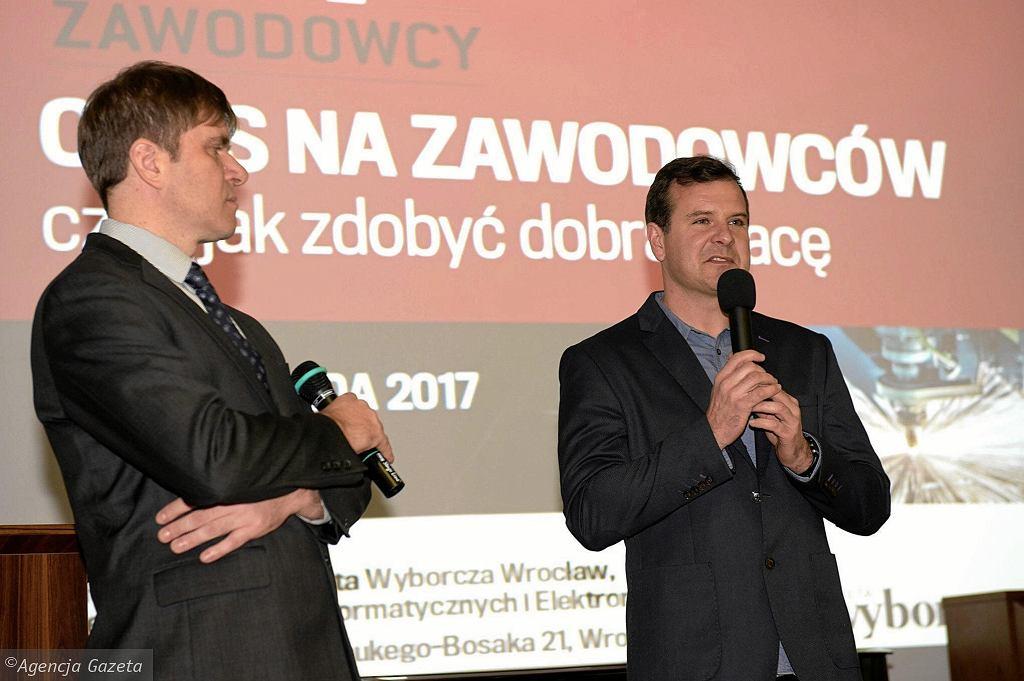 Konferencję otworzyli Rafał Cichocki, dyrektor Zespołu szkół Teleinformatycznych i Elektronicznych oraz Leszek Frelich, redaktor naczelny 'Gazety Wyborczej Wrocław'