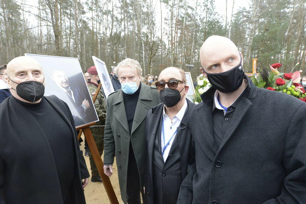 Marian Lichtman, Daniel Olbrychski, Krzysztof Igor Krawczyk na pogrzebie