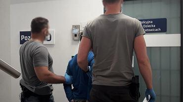 Jeden z zatrzymanych nastolatków. 13- i 15-latkowie znęcali się nad niepełnosprawnymi mężczyznami.