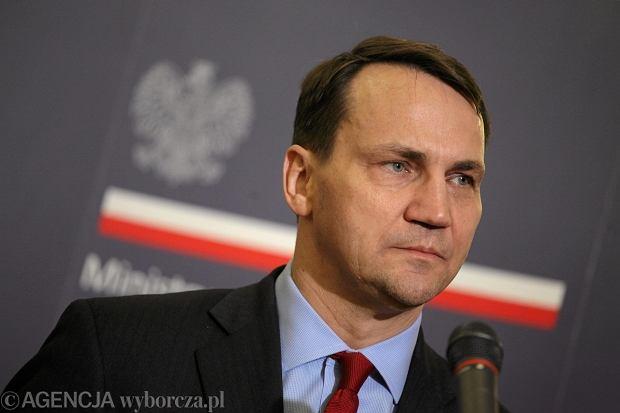 Ministerstwo Spraw Zagranicznych podało dwa nowe, oficjalne adresy Polski w internecie