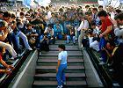 """Film """"Diego"""": historia piłkarskiego geniusza, który się sam zakiwał. A kto myśli, że wie już wszystko o Maradonie, też może zostać okiwany"""