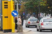 08.10.2014 Warszawa , skrzyzowanie al. Solidarnosci i al. Jana Pawla II . Budowa fotoradarow .  Fot. Dariusz Borowicz / Agencja Gazeta